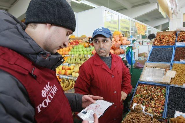 мигранты_новости_бизнес_сенной_рынок_краснодар_закрыли_рынок_иностранные_рабочие